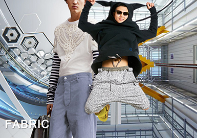 18/19 A/W Men's Sweatshirt on Catwalk -- Knitted Fabric