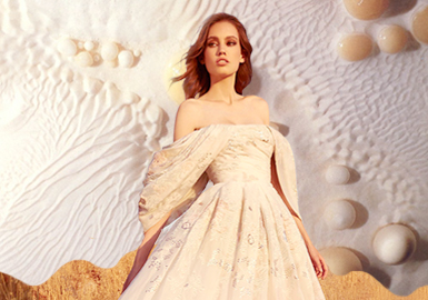 Flowers in the Dream -- The Craft Trend for Women's Wedding Dress