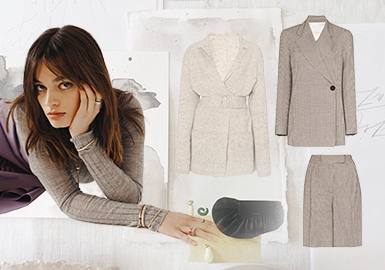 Urban Commute, Utility First -- The Clothing Collocation for Women's Knitwear