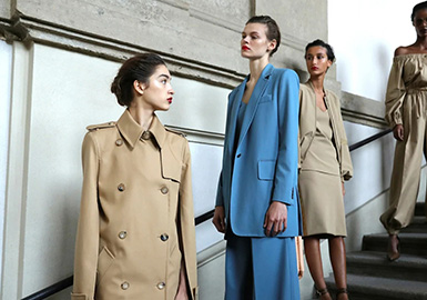 Revival of Everything -- The Catwalk Analysis of Max Mara Womenswear
