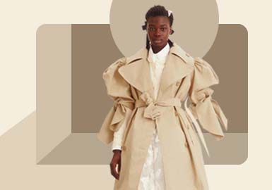 Comfortable & Wide -- The Silhouette Trend for Women's Trench Coat